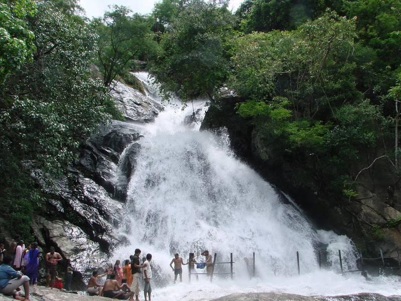 siruvani-waterfalls-in-coimbatore-tamilnadu